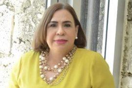 Mirna Pimentel, cronista social.