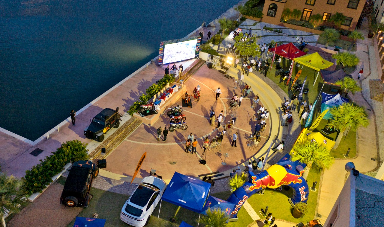 Panoramica del montaje de la rueda de prensa donde se ofrecieron detalles del evento de motociclismo a celebrarse en noviembre.