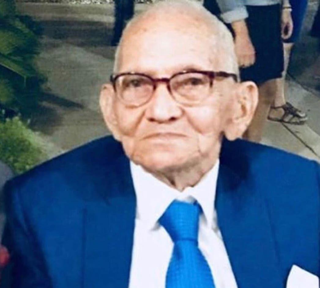 Los restos de don Ramón Rosario serán supultados mañana martes.