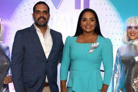 Bernardo Then y Franchesca Páez durante el anuncio de Golf View.