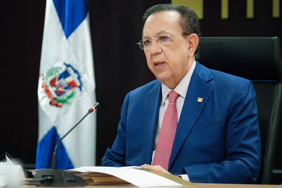 Héctor Valdez Albizu, gobernador del Banco Central, informó sobre los resultados preliminares del comportamiento de el comportamiento de la economía al mes de julio del año 2021.