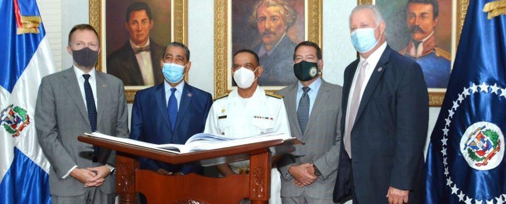 Congresistas de Estados Unidos en la Armada de República Dominicana.