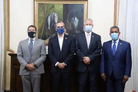 Congresistas de Estados Unidos visitaron al presidente Luis Abinader.