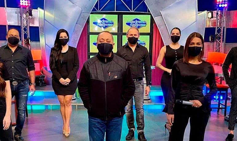 "Animadores del programa ""De extremo a extremo"", del grupo Telemicro."