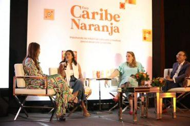 Uno de los ocho paneles presentados ayer en el Foro Caribe Naranja, celebrado en el Hotel Intercontinental con la concurrencia de cientos de empresarios artísticos, intelectuales y culturales.