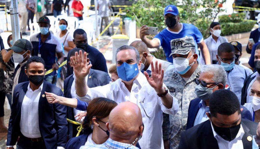 Presidente Abinader viajará a las provincias Duarte y Samaná