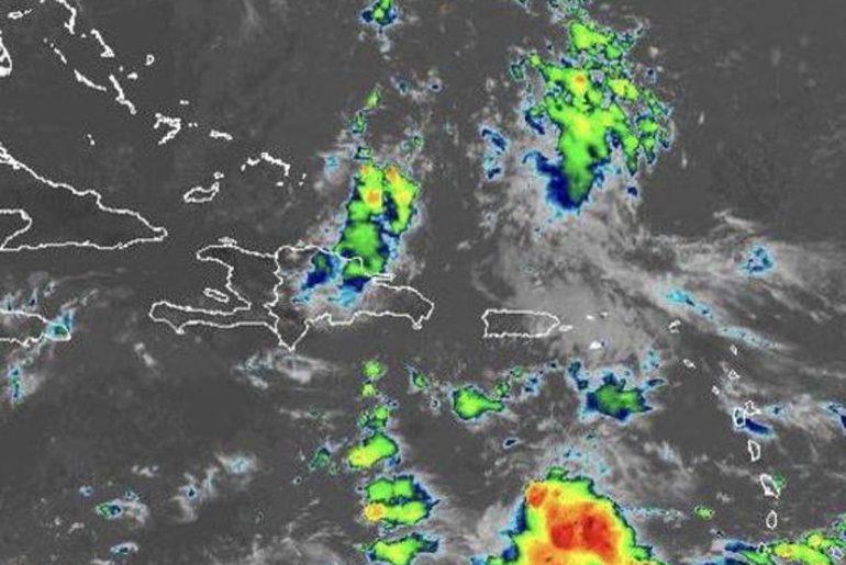 Onda Tropical y vaguada provocan alertas meteorológicos sobre varias provincias de RD.